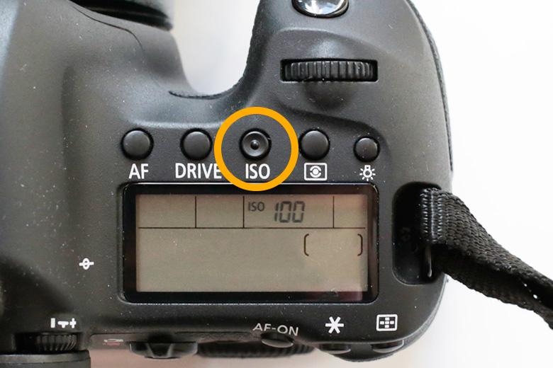 ISO感度の数値の変え方(キャノン6D)