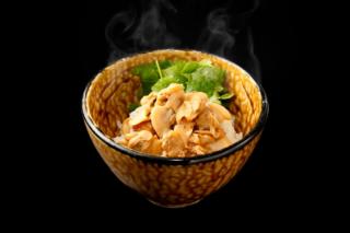 丼の料理写真