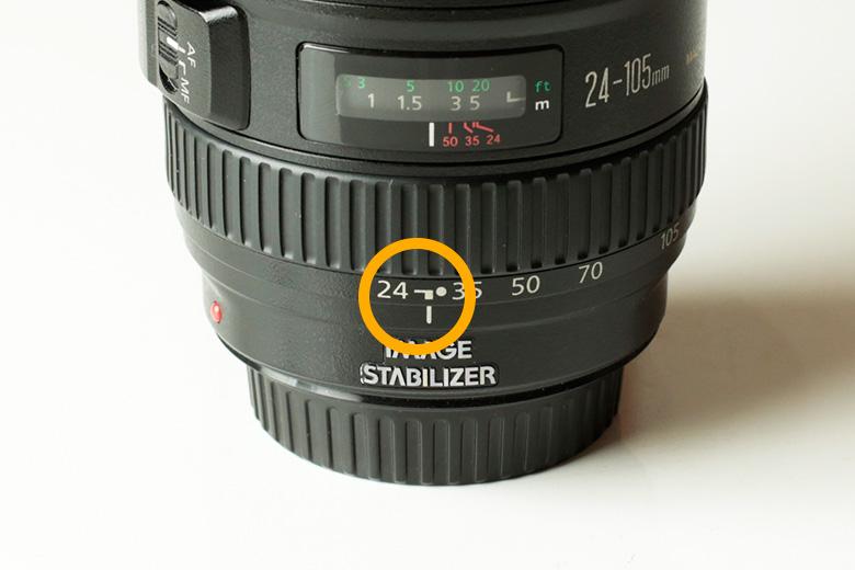2 レンズの望遠側を使って撮影する